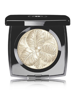 CHANEL <b>CAMÉLIA DE PLUMES - PLUMES PRECIEUSES</b><br>Highlighting Powder - Limited Edition