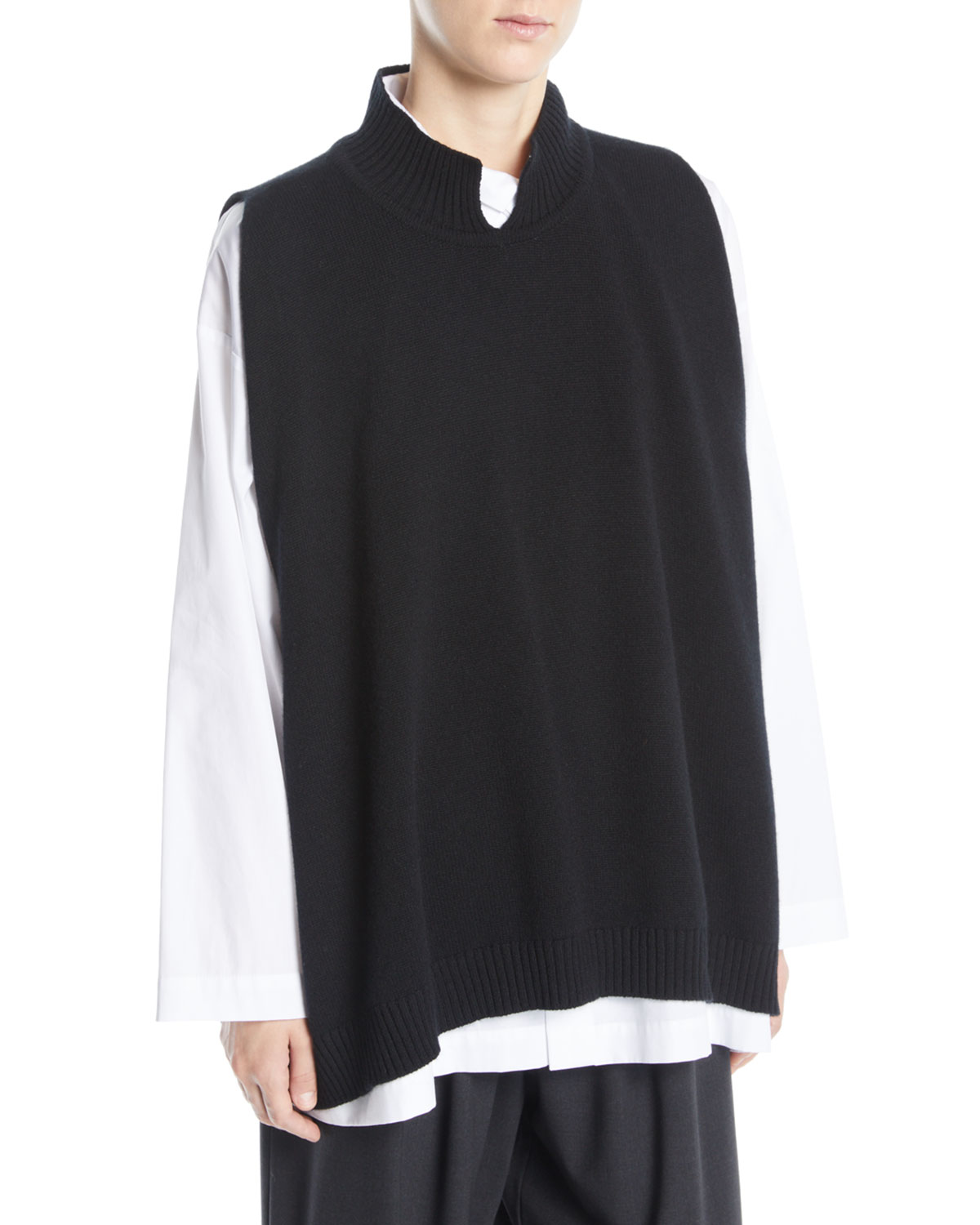 SLIT HIGH-NECK SLEEVELESS A-LINE CASHMERE SWEATER