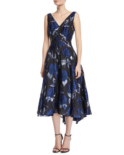 V-Neck Sleeveless Rose Fil Coupe Dress