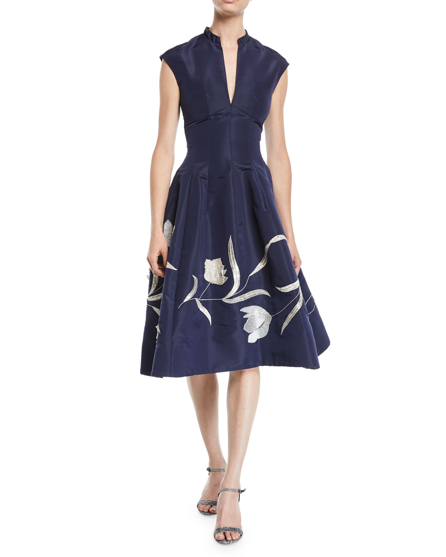 Oscar De La Renta Dresses SPLIT-NECK CAP-SLEEVE TULIP-EMBROIDERED SILK FAILLE DRESS W/ POCKETS