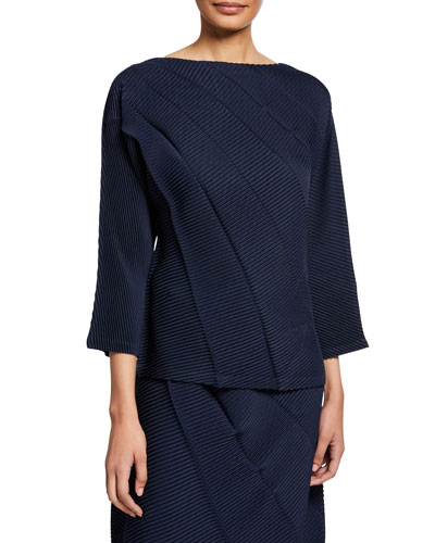 Swell Pleats 3/4-Sleeve Top