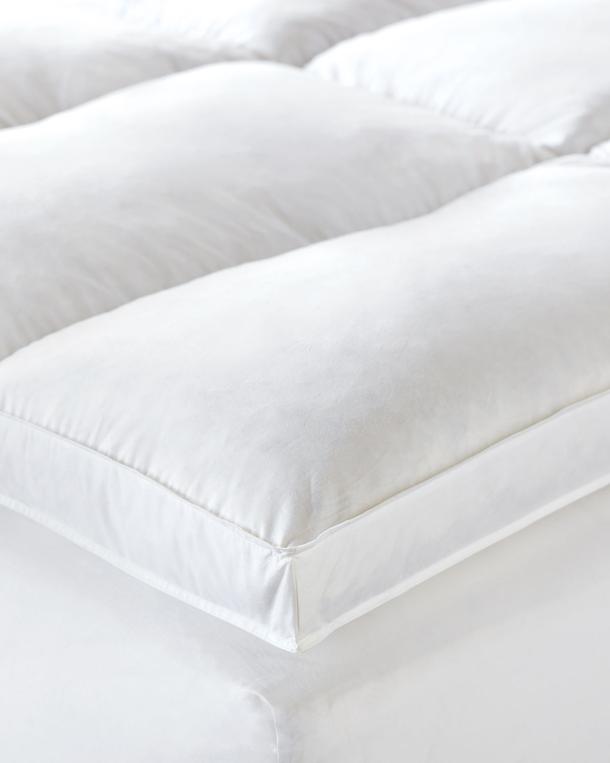 King Saugatuck Feather Bed
