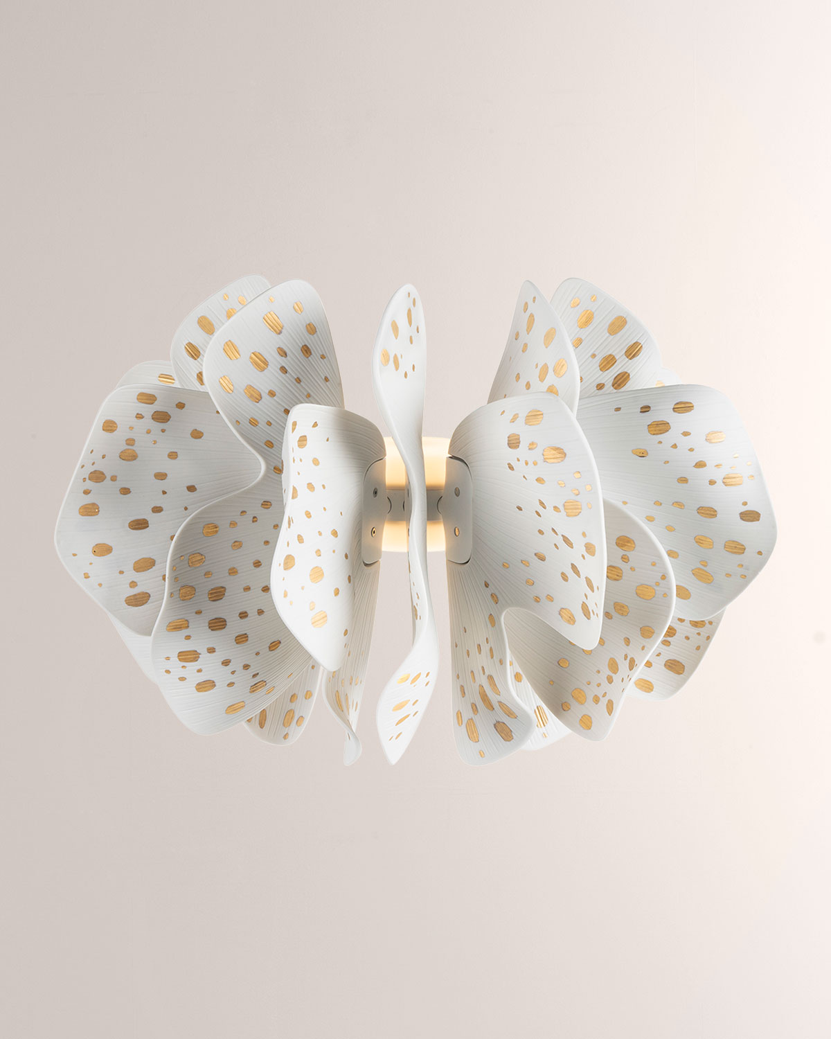 Lladrò NIGHTBLOOM WHITE GOLD WALL LIGHT