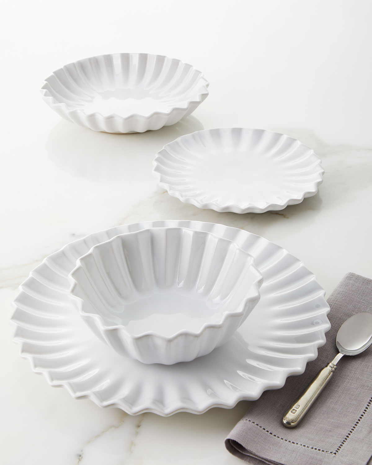 Vietri INCANTO STONE WHITE PLEATED 4-PIECE PLACE SETTING
