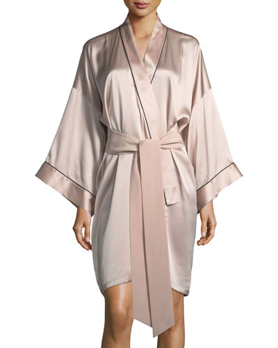 Mini Oyster Short Silk Robe