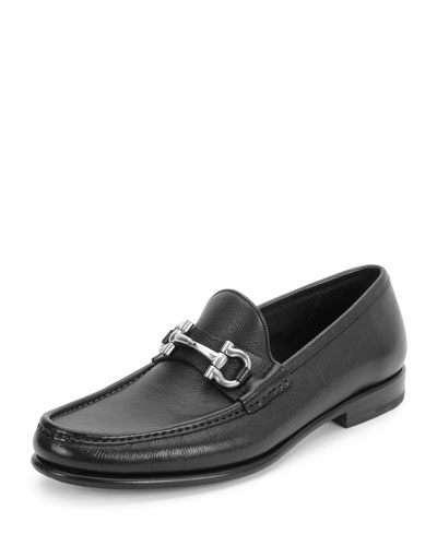 Textured Calfskin Gancini Loafer, Black