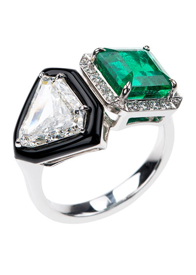 Oui 18k White Gold Emerald Square & Diamond Trillion Ring