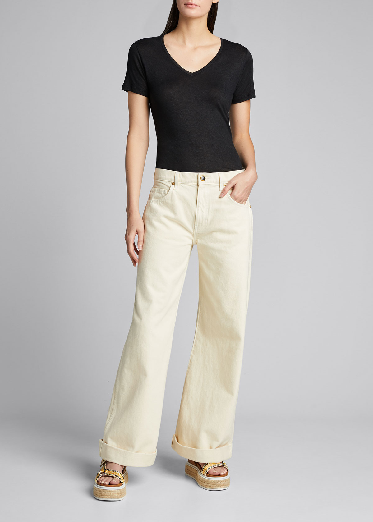 Majestic Linens STRETCH-LINEN SEMI-RELAXED V-NECK TEE