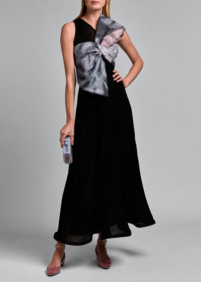Sleeveless V-neck Pleated Gown with Oversize Bow