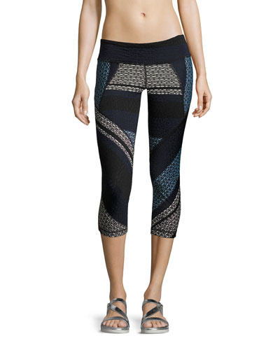 Adventure Textured Capri Leggings, Navy