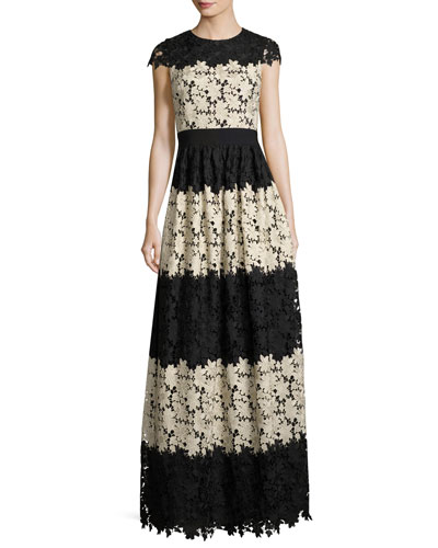 Noel Crewneck Short-Sleeve Lace Gown