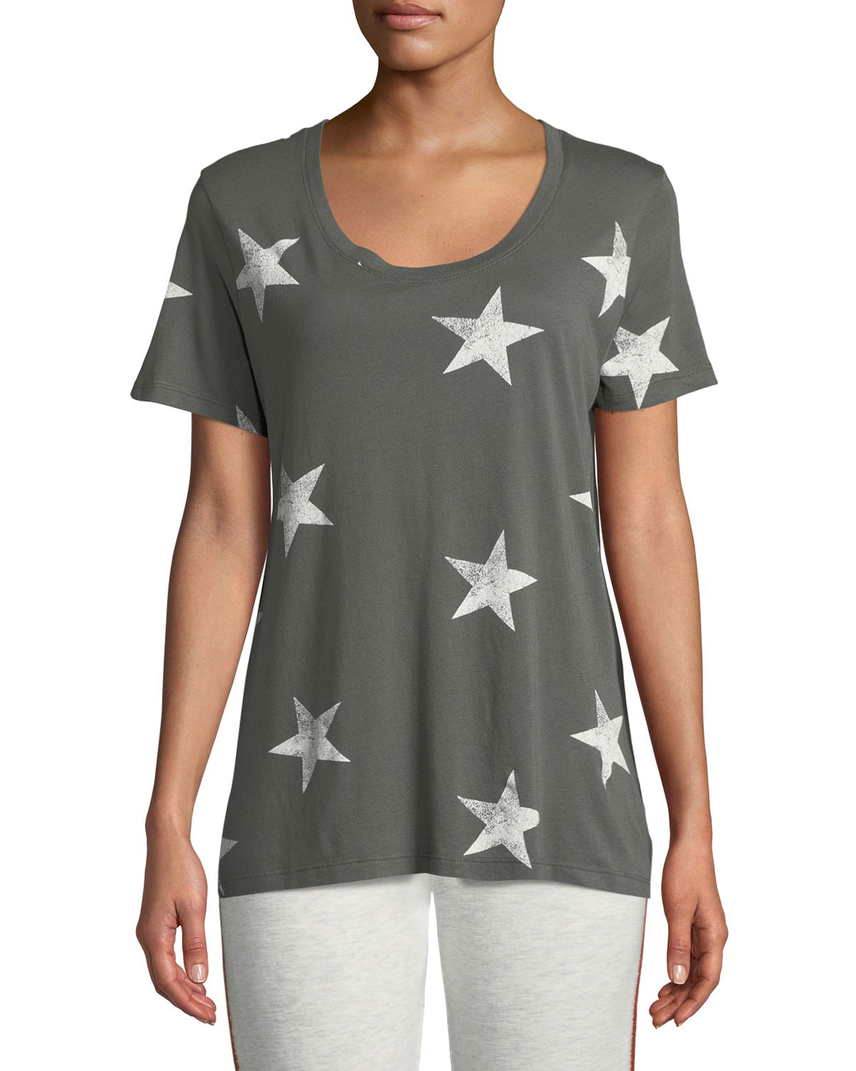 MONROW STAR-PRINT SCOOP-NECK SHORT-SLEEVE RELAXED SHIRT