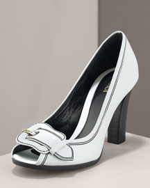 Fendi             Fendi Patent Pump-     Chunky Heel-  Bergdorf Goodman       :  pump fendi white patent