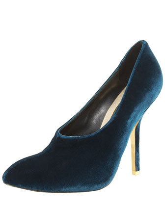 High-Vamp Velvet Pump