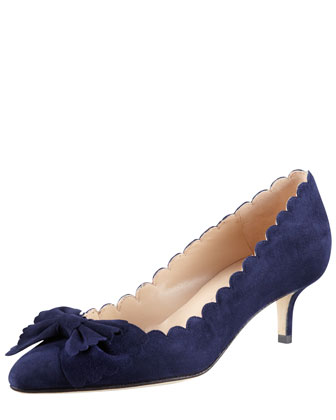 Scalloped Bow-Toe Kitten-Heel Pump