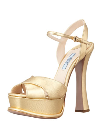 Metallic Crisscross Platform Pump, Platinum
